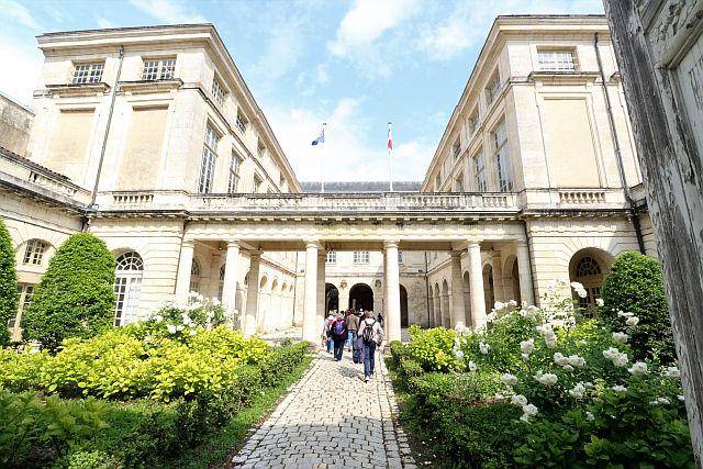 UTL petite marche 21 05 2019 Tribunal de commerce La Rochelle.jpg