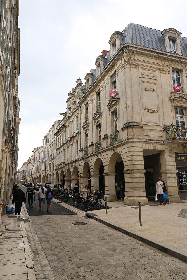 UTL petite marche 21 05 2019 Place de la Fontaine rue du Minage et Café Molière.jpg