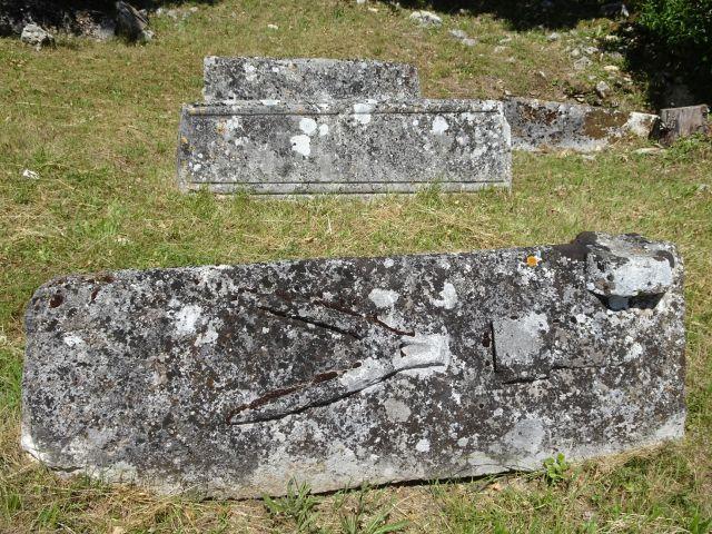 UTL petite marche  mai 2019 cimetière St Thomas (2).jpg