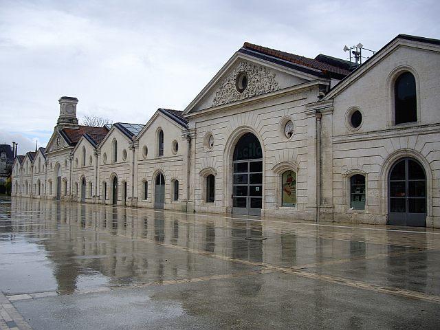 Anciens chais devenus Musée de la BD.jpg
