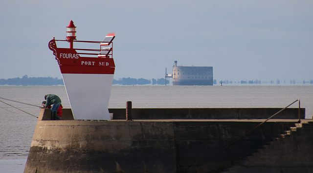 Fouras2 Port Sud vue sur Fort Boyard.jpg