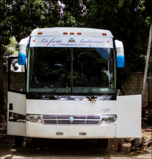 1er_autobus_made_in_haiti.jpg