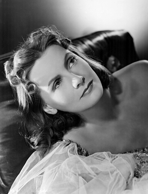 Greta_Garbo_-_Ninotchka_1939.JPG