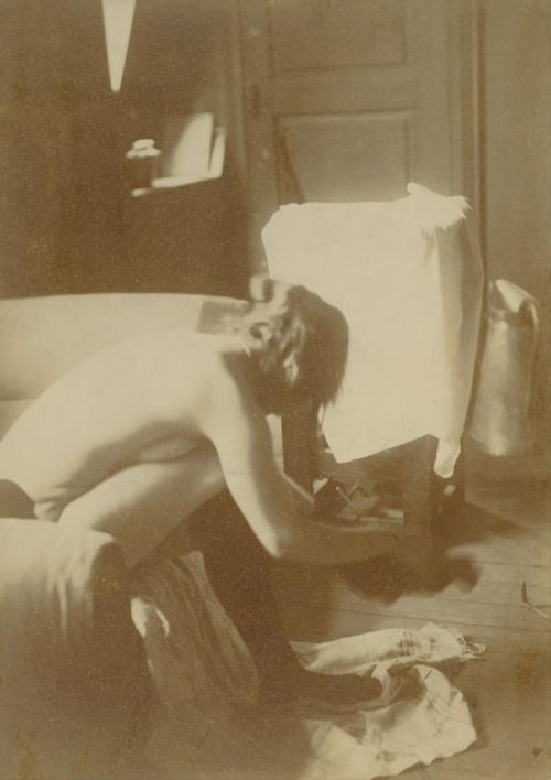 edgar-degas-seated-nude-1895-c2aej-paul-getty-museum-via-wikimedia.jpg