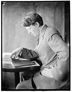 250px-Clarence_White_Sr_by_Gertrude_Käsebier.jpg