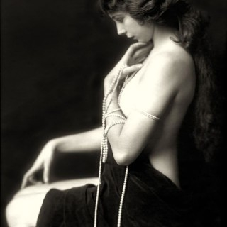 Alfred_Cheney_Johnston_1921-320x320.jpg