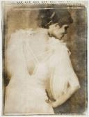 goldkind_joy-white_dress~MNae9168~10108_20091110_699_218.jpg