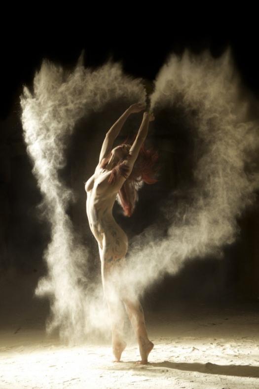 Dancers-2-640x960_w525.jpg
