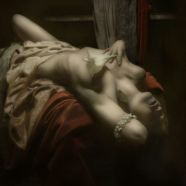 sensual-baroque-inspired-photography-by-mariska-karto-5.jpg