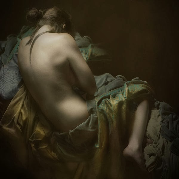 sensual-baroque-inspired-photography-by-mariska-karto-7.jpg
