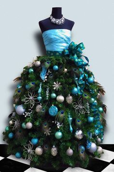 fdb5ca5c40770ee954e4daca17a7f53b--christmas-tree-dress-christmas-time.jpg
