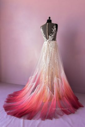 artist-makes-dyed-wedding-dresses-to-color-even-more-a-special-day-5f1e750f80a41__880-273x410.jpg