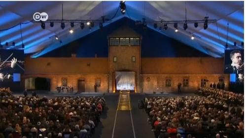 Zeremonie Auschwitz.JPG