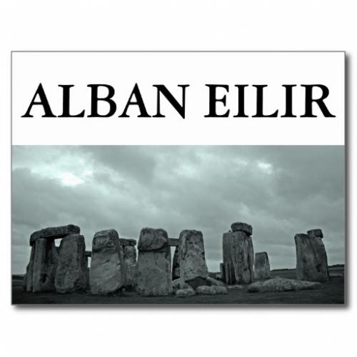 alban_eilir_stonehenge_postcards-re483b14fd1bc4535a8cb7efe972d78c7_vgbaq_8byvr_512.jpg