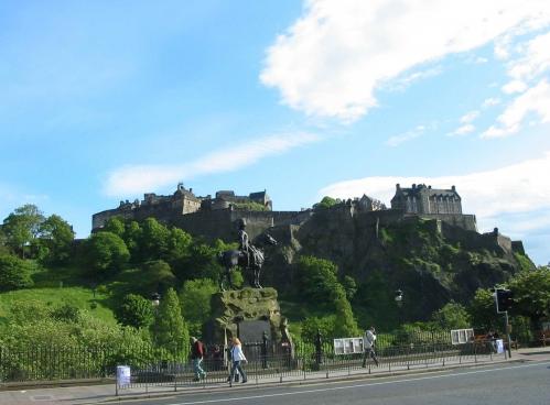 Castlle Edinburgh.jpg