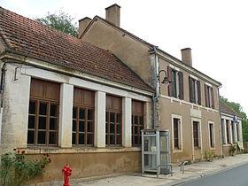 280px-Grives_-_Ecole-Mairie_-461.jpg