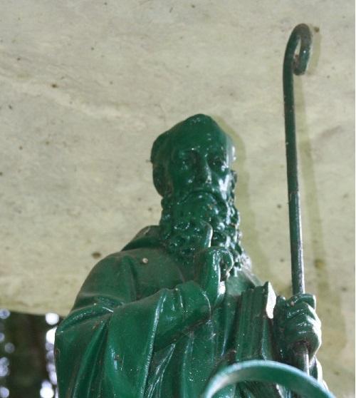 ménhir et fontaine st thierry 014 c.jpg