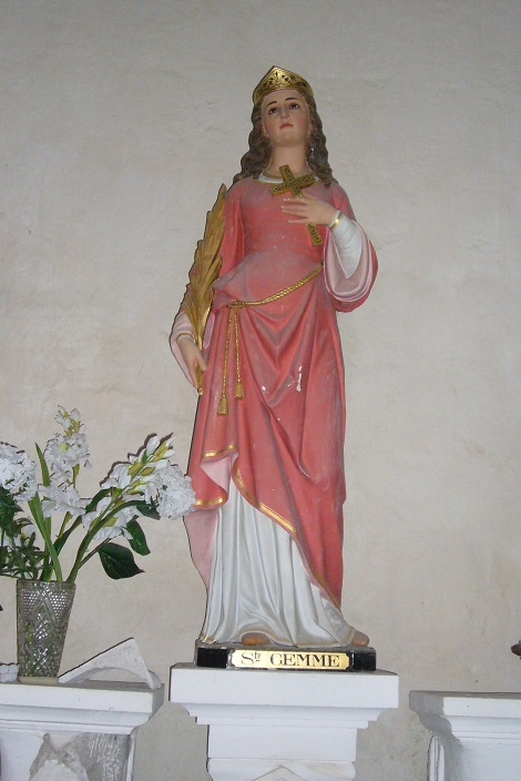 Sainte-Gemme statue 1.jpg
