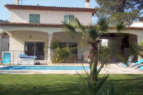 Grasse, superbe villa à louer en Provence