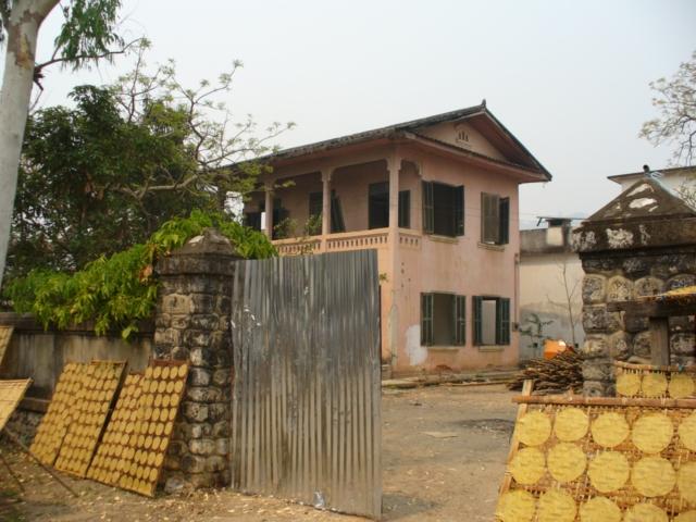 P1040116 fabrication des galettes de manioc très sucréesBlog (7).JPG