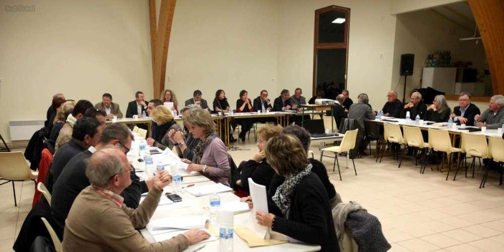 le-conseil-communautaire-a-lieu-ce-vendredi-soir-a-la-salle-multifonctionnelle-de-casseneuil.jpg
