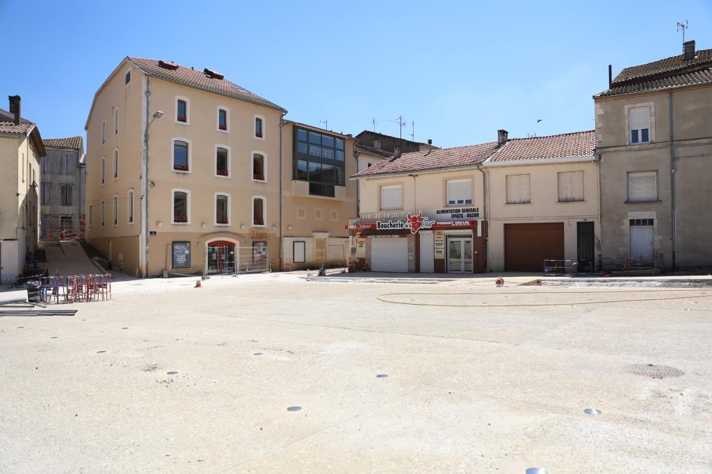 Place Castelvielh 2(1).JPG