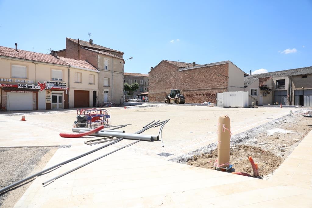 Place Castelvielh.JPG