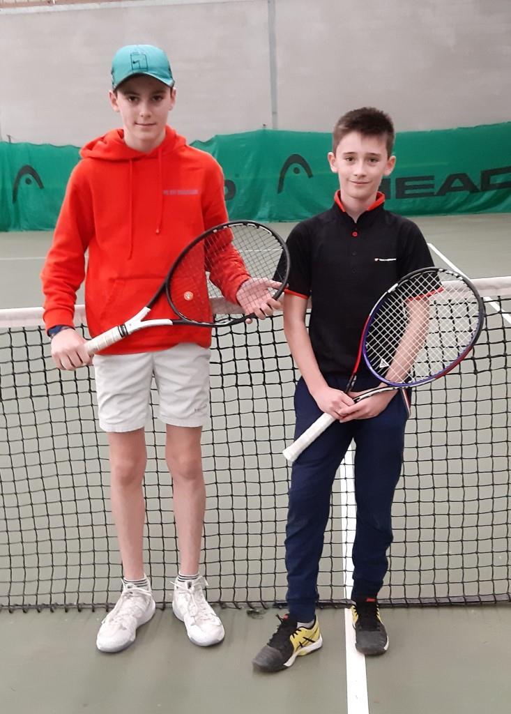 Cabré Théo à gauche, vainqueur 13 14 ans