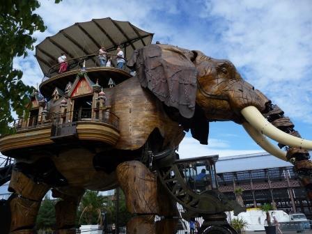 Gros éléphant de Nantes.jpg