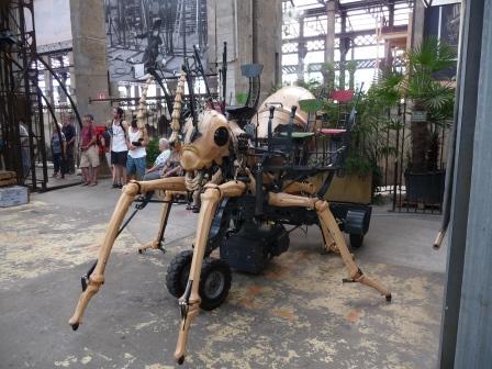 25 Machines de l'île de Nantes La fourmi géante.JPG