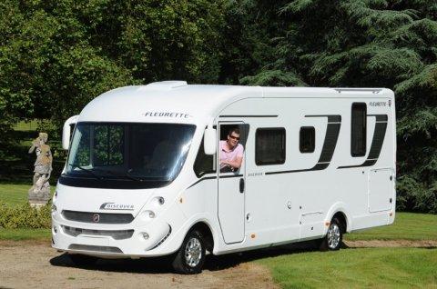 nouveaute-2014-fleurette-devoile-son-nouveau-camping-car-integral-discover.jpg