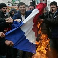 bruler-drapeau-francais.jpg