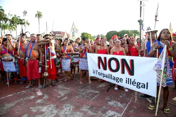 604505-manifestation-d-indigenes-contre-l-orpaillage-illega.jpg
