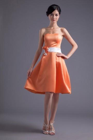 Robe demoiselle d'honneur bustier orange ligne A en satin longue aux genoux
