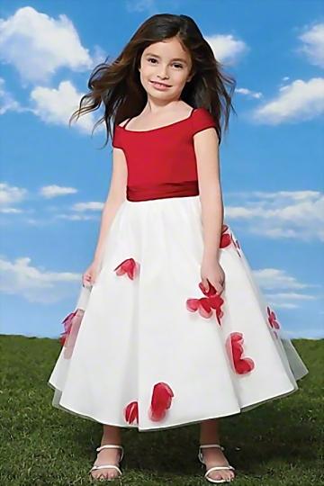 Robe mariage enfant épaule dégagée princesse ornée de fleur à jupe