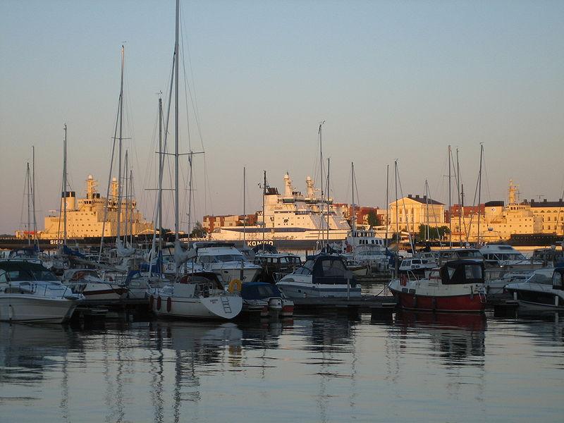 File:Marine Helsinki.JPG