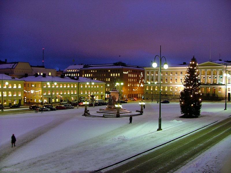File:Senaatintori joulukuisena aamuna 2004.jpg