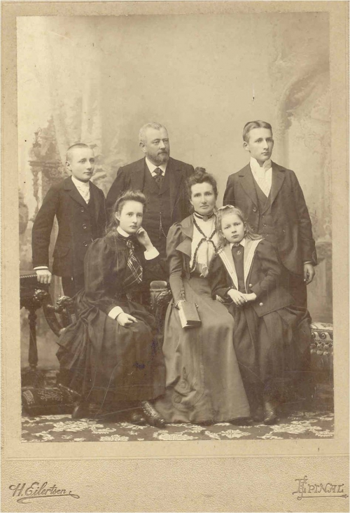 1898 Famille Louis Boucher.jpg