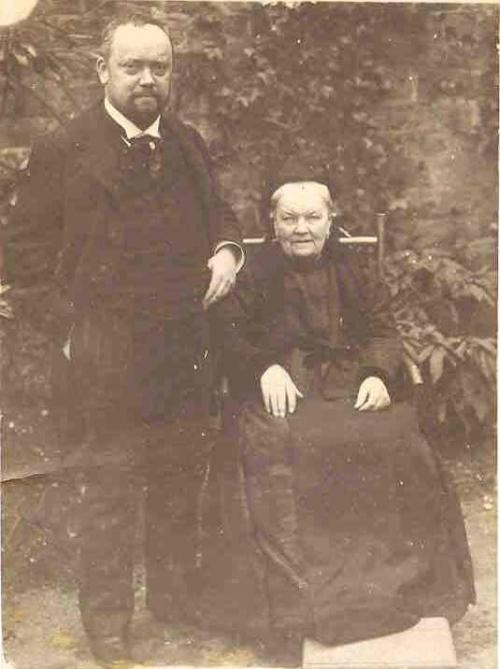1907-Boucher Adelaide et son fils Paul RECADRE.jpg