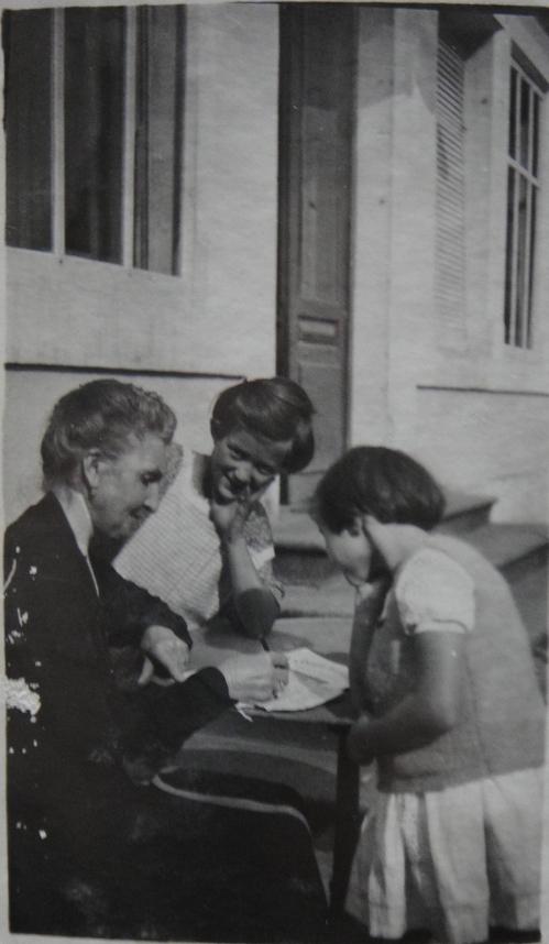 1929 A1-62-5 Celina Bocher et Antoinette et Vivette 1929-DSC04822 ROGNE.jpg