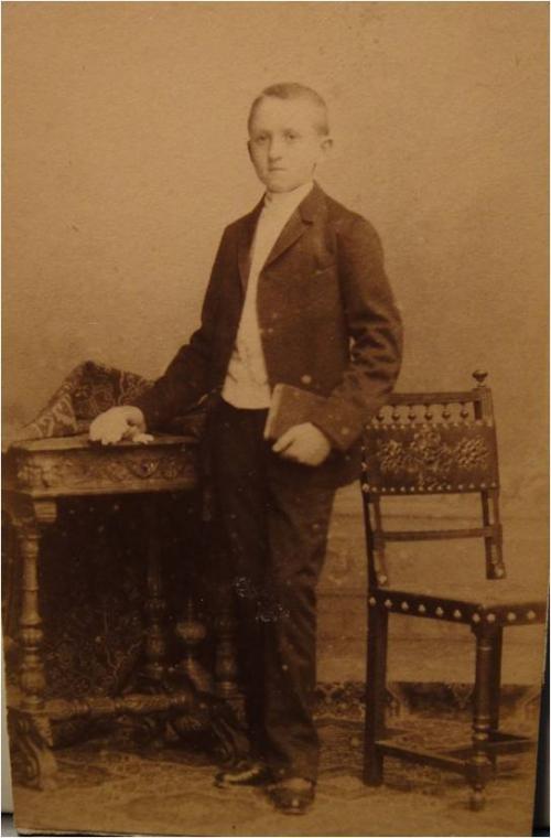 1890 Henri Cuny en communiant.jpg