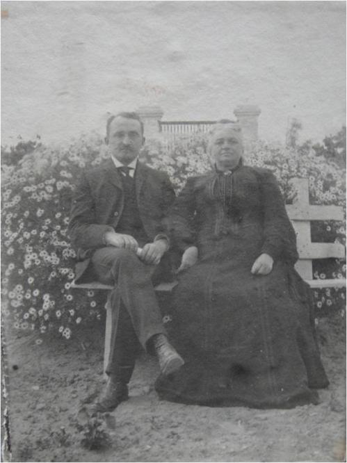 1905-Cuny Clementine et son fils Georges Album A-1-25-5 sans legende.jpg