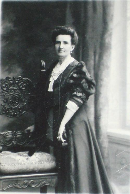 1895 Celina BoucherP1080393 JFMons CADRE.jpg