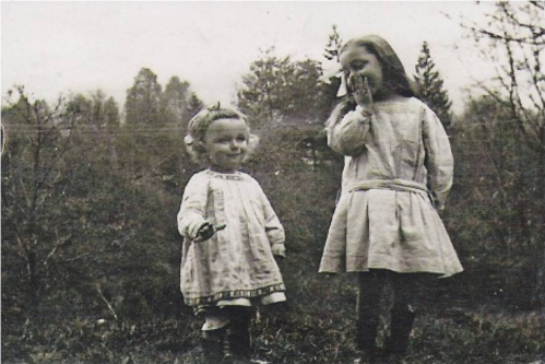 1915 Petits enfants d Anna Vautrin Jean et Annette Boucher.jpg