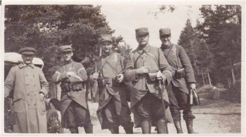 Image11 1914 Groupe militaires.jpg