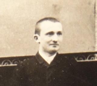 1891-Familles Cuny-Caimant-Humbert-Marie Boucher-Louise Garnier-DSC04758 ROGNE CADRE GEORGES.jpg