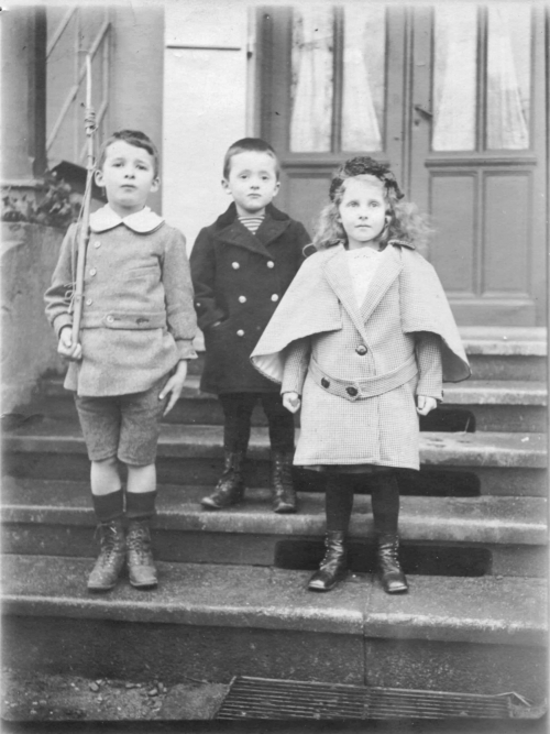1915-1-Enfants Cuny Perron N&B-049 Corrigee.jpg
