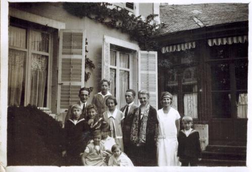 1928 - Docelles Grand-mere et ses petits-enfants CADRE-A3-26-06.jpg