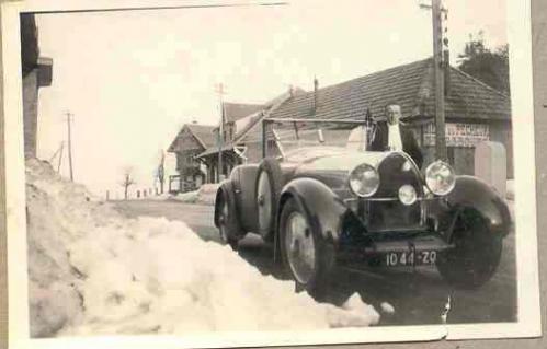1931 La 1ere Bugatti et son proprietaire a la Schlucht Revue.jpg