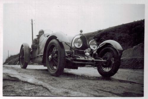 1932 - Andre en Bugatti CADRE-A3-16-05 REVU.jpg